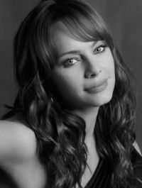 Lady Heather KesslerActress: Melinda Clarke