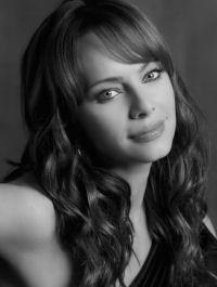 Lady Heather KesslerActress: Melinda Clarke