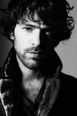 Healer Castius Arnou Actor: Romain Duris