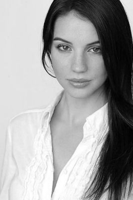 Fay Dunbar (Actress: Adelaide Kane)